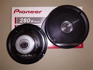 Pioneer 6 inch 280 W Mids