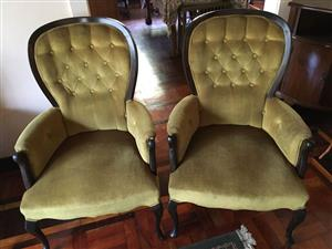 Queen Anne couch and chairs
