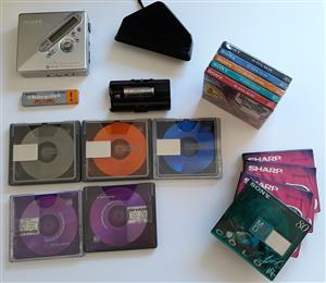 RARE: New, SEALED Minidiscs + used ones + walkman