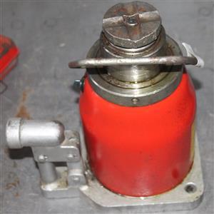 Hydraulic Jack S032905D #Rosettenvillepawnshop