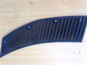 Mercedes-Benz W123 windscreen grill (chrome also available)