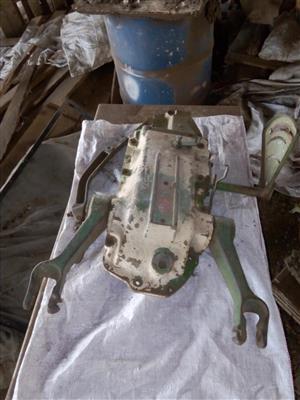 John Deere 2120 lift mechanism
