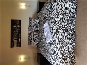Zebra king size and queen size duvet set