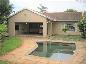 3 Bedroom House with Pool for sale in Port Edward.