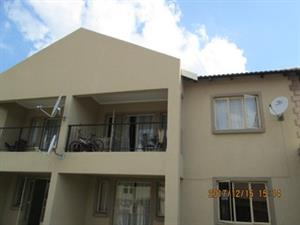 2 BEDROOM TOWNHOUSE FOR SALE - SPRINGS