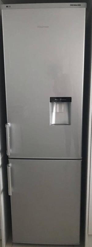 Hisence water dispenser fridge n freezer. Free delivery.