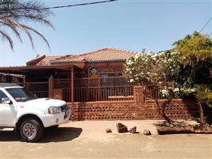 HOUSE FOR SALE ATTERIDGEVILLE R 700 000.00