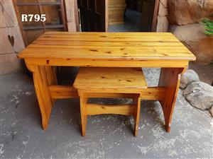 Pine Desk with Chair (1200x600x745)