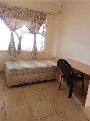 Braam unfurnished room to let from june
