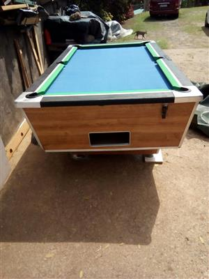 Coin operated pool table/Arcade game-300 games
