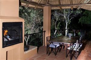 Luxury 6 Sleeper Chalet: Week 52 at Mabalingwe Nature Reserve