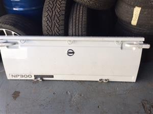 Nissan Np300 Tailgate