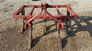 Red U Make 5 Tine / Tand Ripper Pre-Owned Implement