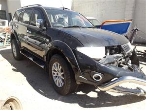 Mitsubishi Pajero 3.2 Sport - 2013 - Stripping for spres