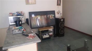 Neat 2 bedroom semi detached house to let in Welcome Estate