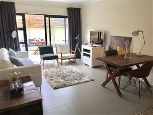 Tamboerskloof : R 17500 neg - Modern 2 bedroom apartment for rent with 2 Undercover parkings and Storeroom