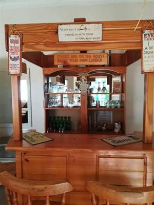 BAR WITH ACCESSORIES