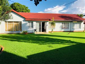 3 Bedroom House with a Spacious Yard for Sale in Witfield
