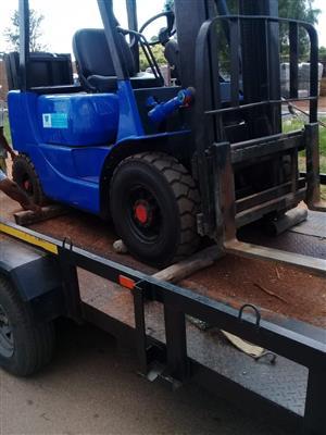 Mitsubishi 2.5 Ton Diesel Forklift
