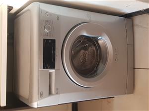 DEFY WASHING MACHINE EN DISH WASHER IN FOURWAYS..