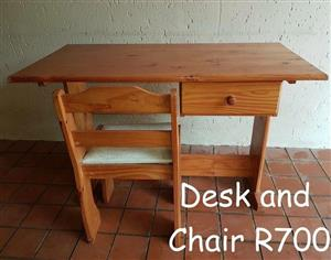 LIGHT WOODEN DESK AND CHAIR