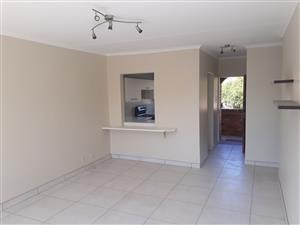 2 Bedroom Townhouse In Sandton, Buccleuch, R7000