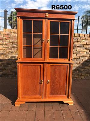 Red Oak Dresser (1140x400x1795)