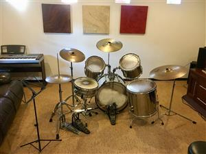 Pearl Export-Series Drum Kit with Travel Cases