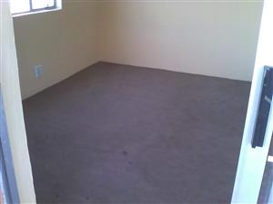 1bedroom available for a single ladies in heuweloird