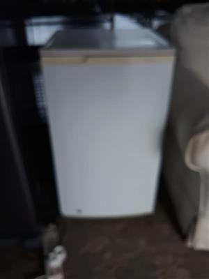 White mini bar fridge