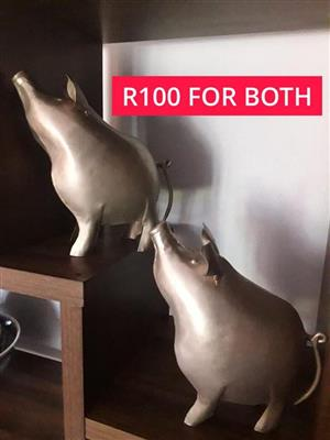 2x Pig ornaments for sale,