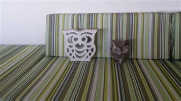 2 owl decor pieces for sale