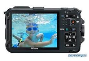 Nikon COOLPIX AW100 16 MP CMOS Waterproof