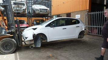 CURRENTLY STRIPPING P347 PEUGEOT 208 2013