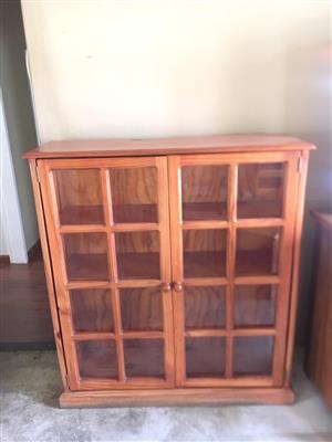 Oregon Bookshelf with glass Doors