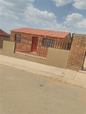Soweto Lehae 2bedroomed house to rent for R3500