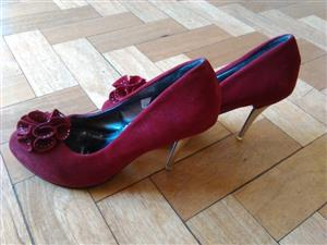 2 PAIRS FASHION HIGH HEEL SHOES - 2 PAIRS for R350