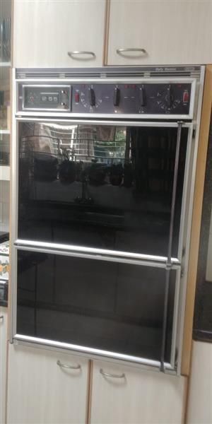 Double Oven for sale in very good condition