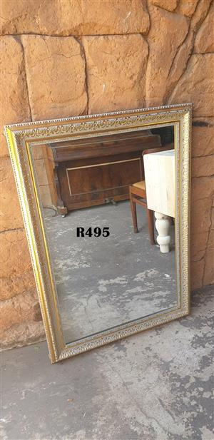 Classy Decorative Mirror (745x1050)
