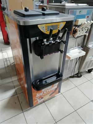 ICE CREAM MACHINE 3 FLAVOUR