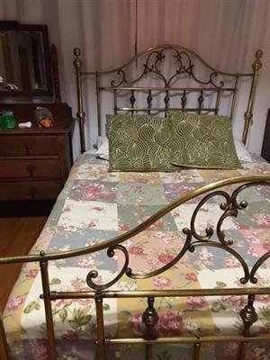 Solid copper queen size antique bed with matress