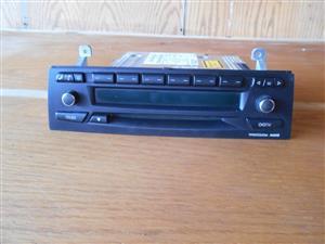 RADIO FOR SALE- BMW 320I ( 2007 ) _ E90