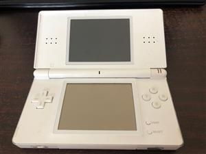 Nintendo DS with 10 games