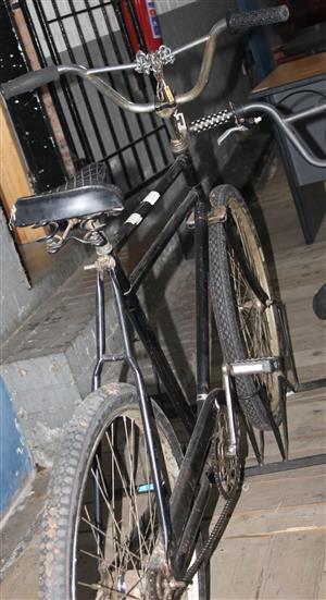S034133A Black postman bicycle #Rosettenvillepawnshop