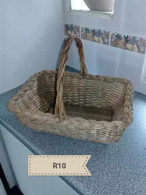 Square carry fruit basket for sale