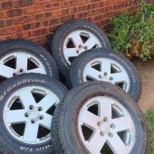 5 x Jeep Wrangler limited edition 18 inch rims and Tyres