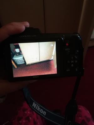 Nikon coolpix L110 12.1 megapixels 15x zoom 7.5cm LCD (3-IN) HD movie