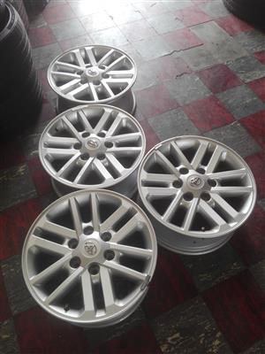 """17""""Toyota Hilux silver twin spoke Rims only"""
