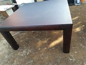 Big brown tabel for sale