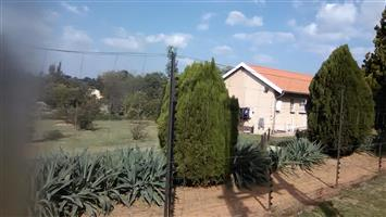 Glen Austin - 10120 sm2 with 4 bedrooms house and 4 bachelor pads for sale R6000000